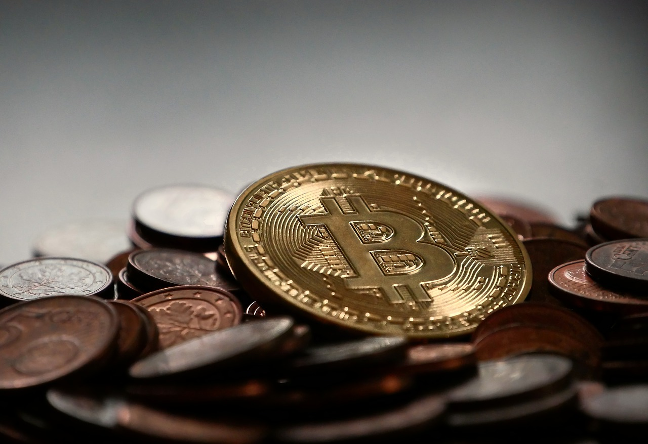 Why most OKEx Bitcoin traders are looking to de-risk now?